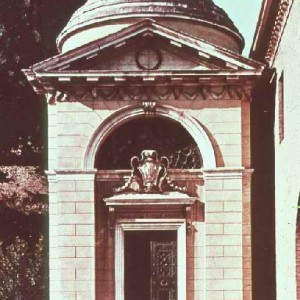Dante's tomb next to the church of San Francesco in Ravenna.
